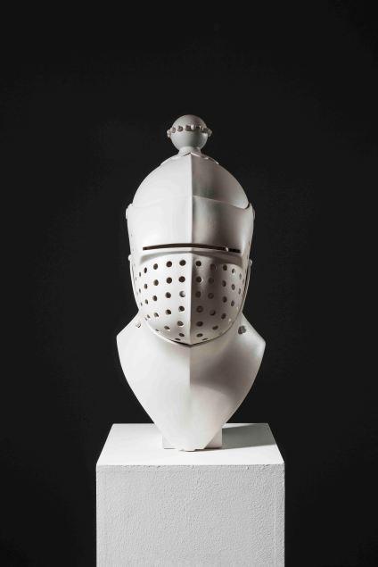 서정빈_헬멧 Helmet_2009_Resin_70 x 25 x 30 cm(1)