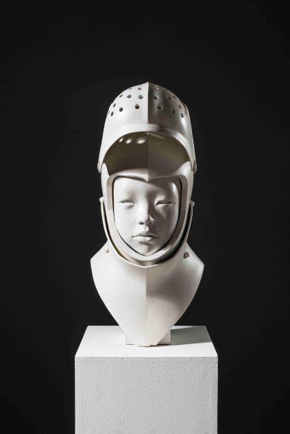 서정빈_헬멧 Helmet_2009_Resin_70 x 25 x 30 cm(2)