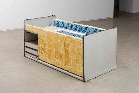강희정_욕조_Bathtub_2011-2017_Desk, polyurethane foam, glass mosaic tiles, water_Dimensions variable(1).jpg